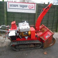 TRACKED SNOW BLOWER-1